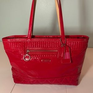 ❤️ Coach Tote Shiny Red Great Condition❤️